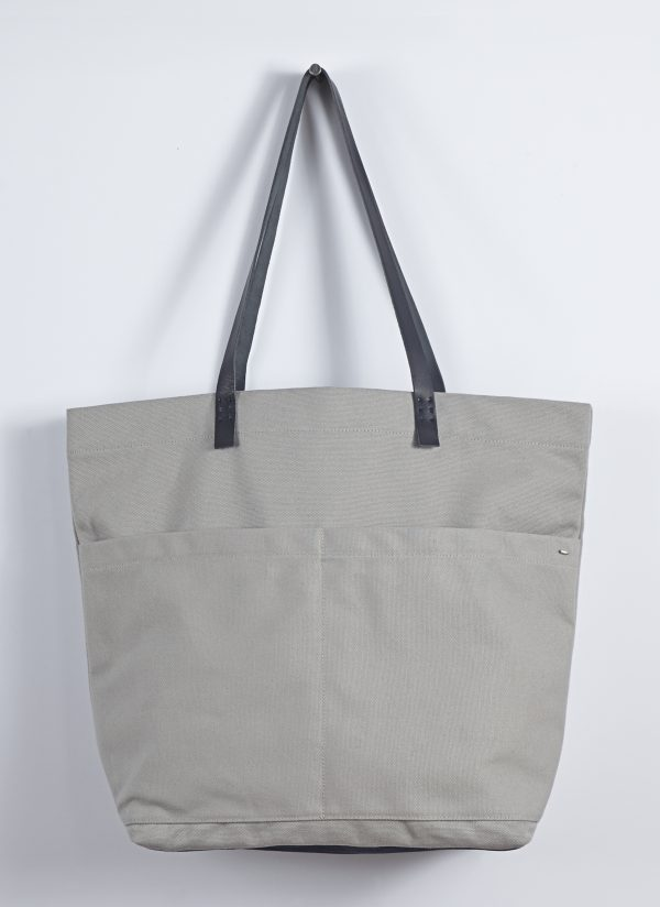 Heavy Canvas Carry All Bag in Putty