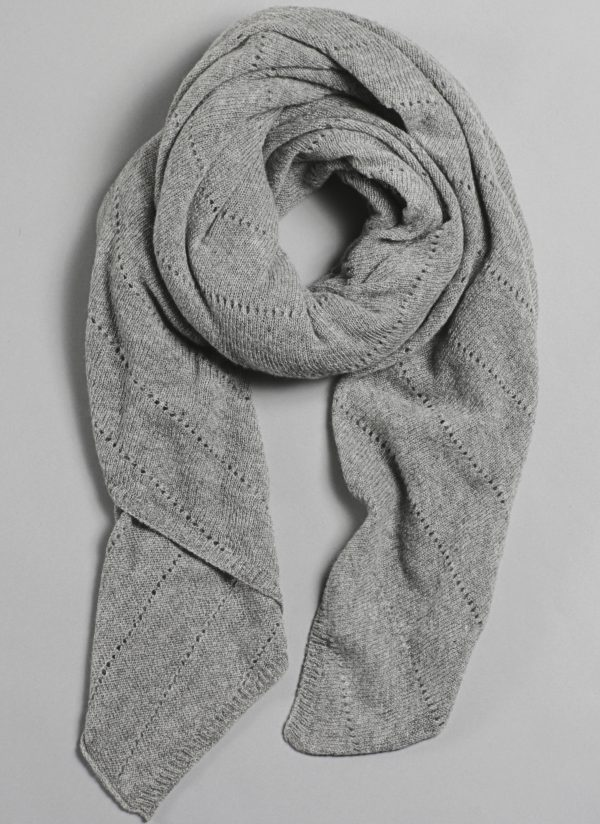 Cashmere Over-Sized V-Knit Repeat Scarf in Fog